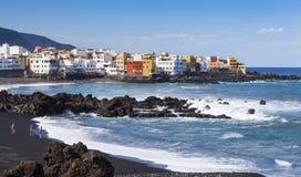 Kolorowi domy przy plażą Fotografia Stock