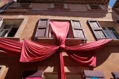 kolorowi domy Roussillon Zdjęcie Royalty Free