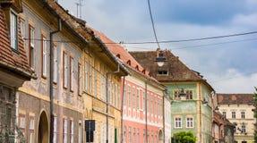 Kolorowi domy w dziejowym centrum Sibiu zdjęcia royalty free