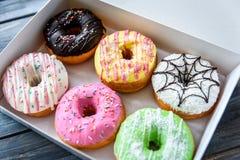 Kolorowi donuts w pudełku Zdjęcie Stock