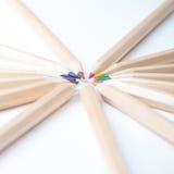Kolorowi drewniani ołówki na białym tle Obraz Royalty Free