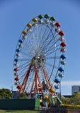 Kolorowi duzi toczą wewnątrz parka rozrywkiego obraz royalty free