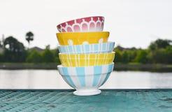 Kolorowi Francuscy Cukiernianego au Lait puchary Zdjęcie Royalty Free