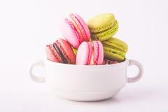 kolorowi francuscy macarons fotografia stock