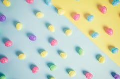 Kolorowi Gilttery Wielkanocni jajka w Punchy Pastelowych Colours Zdjęcia Royalty Free