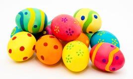 Kolorowi handmade Easter jajka odizolowywający na bielu Obrazy Stock