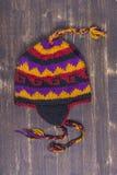Kolorowi handmade trykotowi kapelusze na Nepalskim rynku zdjęcia royalty free