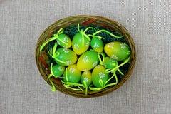 Kolorowi jajka dla wakacyjnej wielkanocy Zdjęcia Royalty Free