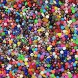 Kolorowi koraliki w tacy Zdjęcie Royalty Free