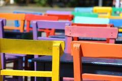 Kolorowi krzesła Zdjęcia Royalty Free