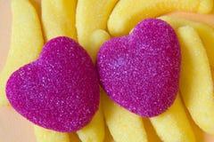 Kolorowi lizaki i różny barwiony round cukierek Odgórny widok zdjęcie royalty free