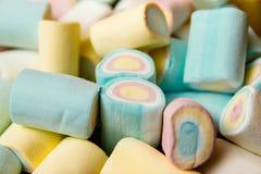 Kolorowi marshmallow cukierki obrazy stock