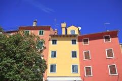 Kolorowi meditarenian budynki Zdjęcia Royalty Free