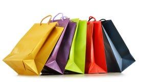 Kolorowi papierowi torba na zakupy na bielu Fotografia Stock
