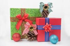 Kolorowi prezentów pakunki, nowy rok, walentynki ` s dzień zdjęcia stock