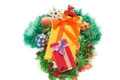 Kolorowi prezentów pudełka Piękni Odosobniony biały tło Zdjęcia Royalty Free