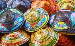 Kolorowi ryżowi słomiani kapelusze zdjęcie royalty free