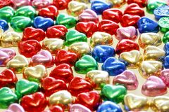 Kolorowi serca czekoladowi zdjęcia stock