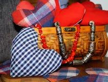 Kolorowi serca faszerujący z tkaniną obrazy royalty free