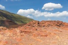 Kolorowi skłony góra Etna przy Włoską wyspą Sicily zdjęcia stock