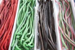 Kolorowi smakowici lukrecjowi cukierki dla sprzedaży na rynku sprzedaży detalicznej cukierku Zdjęcia Royalty Free