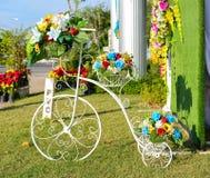 Kolorowi sztuczni kwiaty Zdjęcia Stock