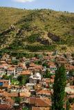 Kolorowi tradycyjni ottoman domy i meczet w Afyon, turczynka Obraz Royalty Free