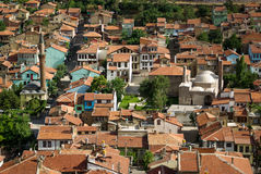 Kolorowi tradycyjni ottoman domy i meczet w Afyon, turczynka Zdjęcia Stock