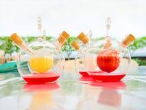 Kolorowy chemiczny fluid w naukowym fotografia royalty free