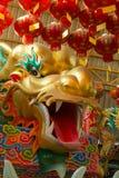 Kolorowy chiński smok w Chińskiej świątyni przy Tajlandia Zdjęcia Stock