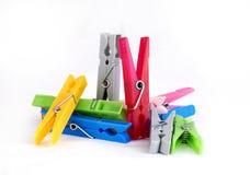 kolorowy clothespegs pojedynczy Obrazy Stock