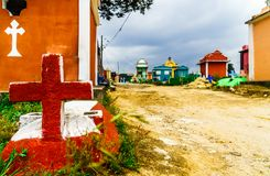 Kolorowy cmentarz Chichicastenango w Gwatemala fotografia royalty free