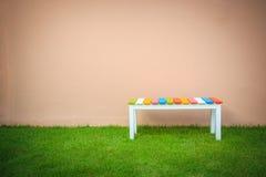 Kolorowy drewniany krzesło obrazy stock
