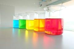 Kolorowy fluid w szklanym artykuły obraz royalty free