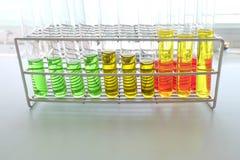 Kolorowy fluid w szklanym artykuły fotografia royalty free