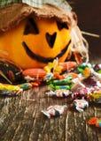 Kolorowy Halloweenowy cukierek i lampion Obraz Stock