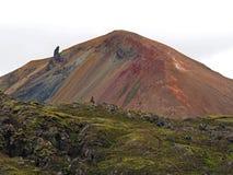 Kolorowy halny brennisteinsalda w Landmannalaugar tęczy cześć obraz stock