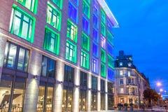 Kolorowy iluminujący budynek w Frankfurt magistrali, Niemcy Fotografia Royalty Free