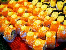 Kolorowy Japoński suszi przy rynkiem zdjęcie stock