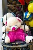 Kolorowy miś pluszowy i zabawki obrazy royalty free