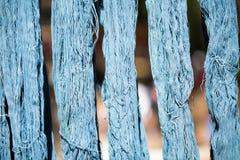 Kolorowy niciany jedwabiu barwidło od naturalnego Zdjęcie Royalty Free