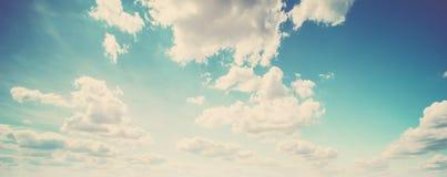 Kolorowy niebo i wsch?d s?o?ca obrazy stock