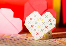 Kolorowy origami valentine ` s serce Fotografia Stock