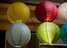 Kolorowy papierowy lampion plenerowy w rynku Obraz Stock