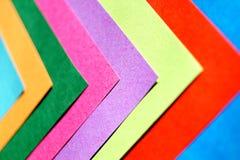 Kolorowy papierowy pomysłowo i abstrakcjonistyczny tło fotografia royalty free