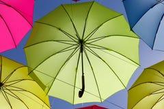 Kolorowy parasol na niebie Zdjęcie Royalty Free