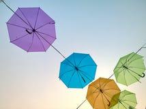Kolorowy parasol w niebie Zdjęcie Royalty Free