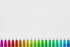 Kolorowy pióro ustawia, wielo- kolor z/kopii przestrzeni, papieru tkaniny tekstury tłem/ Zdjęcie Stock