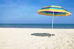 Kolorowy Plażowy Parasol Obrazy Stock