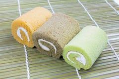 Kolorowy plasterek rolki torta przygotowania Zdjęcie Stock